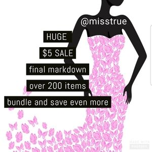 Dresses & Skirts - Huge sale 🛍 $5 sale 🛍 already marked down